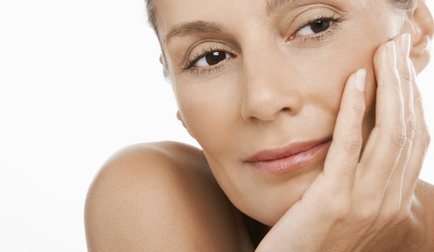 3 Beauty Habits That Will Age You Faster